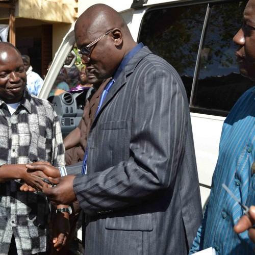 Renforcement de la santé Maternelle et Néonatale dans le district : la CRM dote le CS REF de la commune I d'une ambulance