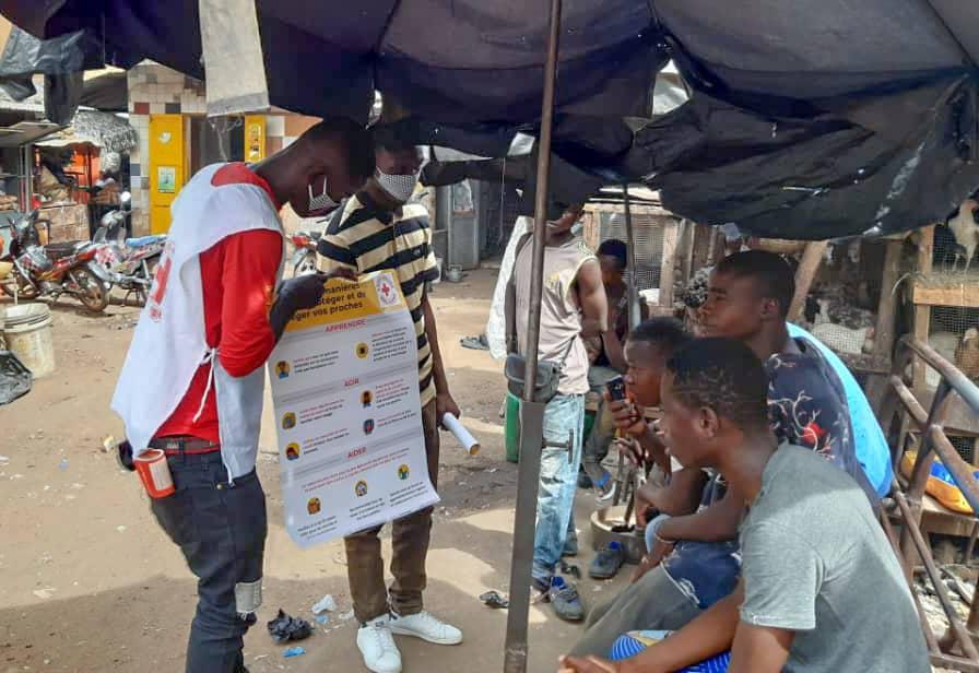 COVID-19  Campagne d'Information et de Sensibilisation dans la ville de Bamako par les Volontaires