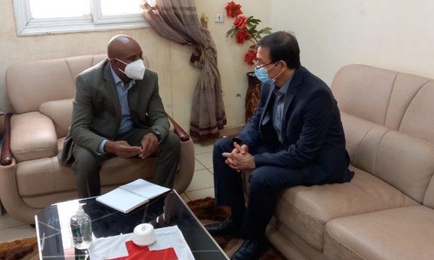 Visite du Directeur de la polyclinique Iranienne au siège de la Croix-Rouge Malienne