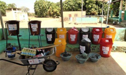 Promotion de l'hygiène : La Croix-Rouge Malienne avec l'accompagnement de la Croix-Rouge Espagnole et avec l'appui financier de la Coopération espagnole à travers l'Agence espagnole de coopération (AECID) renforce les dispositifs d'hygiène dans huit centres de santé communautaire de la région de Sikasso