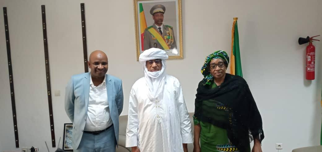 Rencontre de haut niveau: La Vice Présidente et le Secrétaire Général de la Croix Rouge Malienne en visite au ministère des Maliens de  L'extérieur
